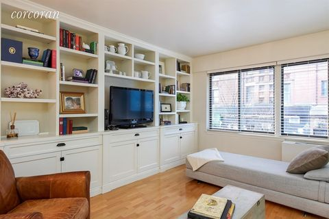 300 E 95th St Apt 2 B, New York City, NY 10128
