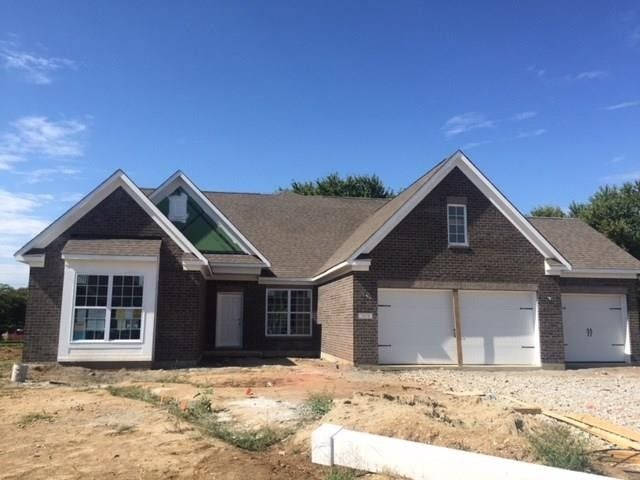 3938 Stonemeadow Dr, Greenwood, IN 46143