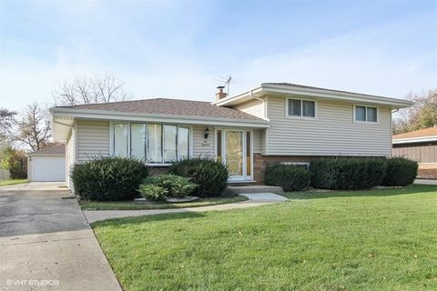 518 Home Ave, Itasca, IL 60143