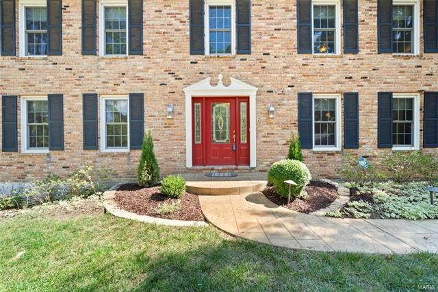 444 Stablestone Dr, Chesterfield, MO 63017