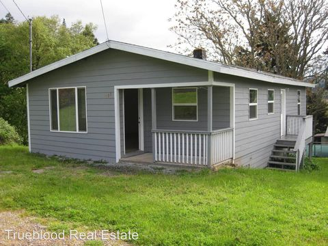 Photo of 839 Nw Morrison Ave, Myrtle Creek, OR 97457