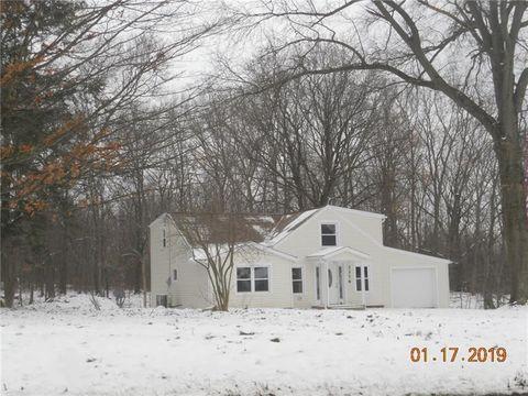 3376 Lamor Rd, Hermitage, PA 16148