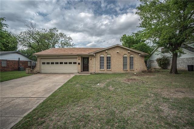 7413 Maple Dr North Richland Hills, TX 76180