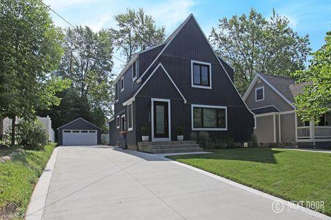 Photo of 3008 Woodcliff Ln Se, Grand Rapids, MI 49546