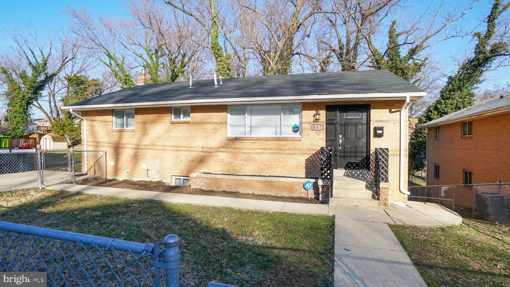 607 Elfin Ave, Capitol Heights, MD 20743