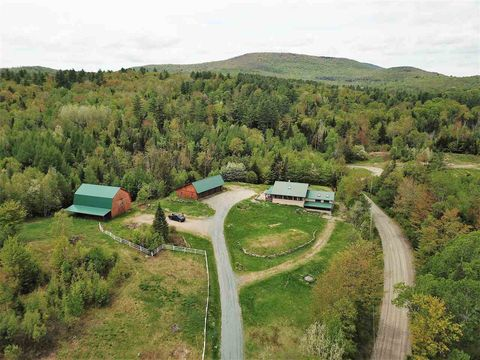 Photo of 663 Fellows Rd, Guildhall, VT 05905