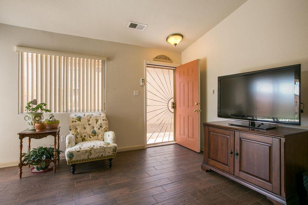 9020 Lower Meadow Trl Sw, Albuquerque, NM 87121