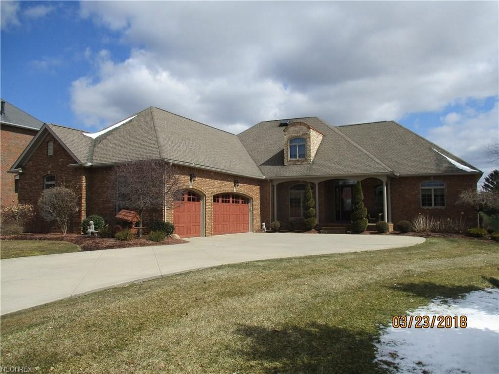3495 Chadwick Dr, Uniontown, OH 44685