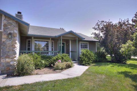 7468 W Devonwood Dr, Boise, ID 83714
