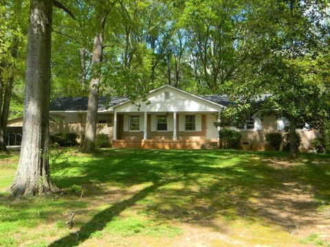 109 Valley Rd, Greenwood, SC 29646