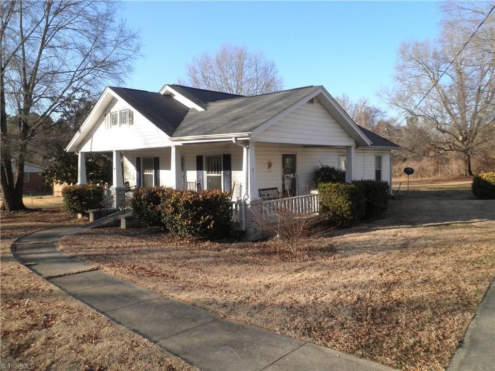 715 Burlington Ave, Gibsonville, NC 27249