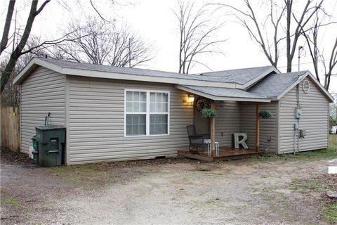 Photo of 1414 S Washington Ave, Fayetteville, AR 72701