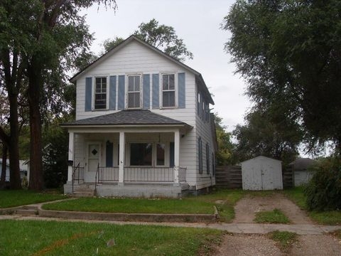 Photo of 755 Montana Ave Sw, Huron, SD 57350