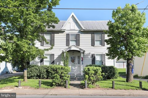 Photo of 743 Winchester Ave, Martinsburg, WV 25401