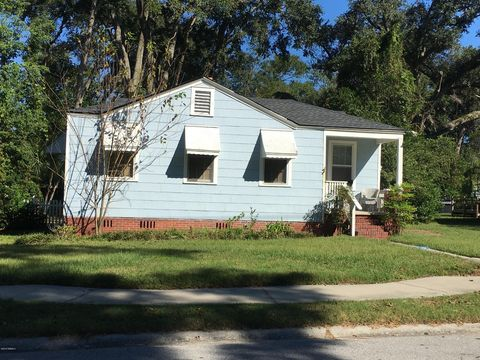 Photo of 2711 North St, Beaufort, SC 29902