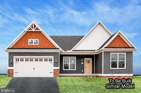 204 Hauer Ter, Spring Grove, PA 17362