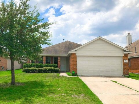 2643 Dylans Crossing Dr, Houston, TX 77038