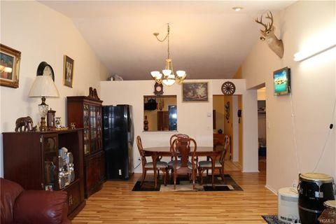Photo of 710 Tudor Hl, Nanuet, NY 10954