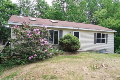 28 N Lakeview Dr, Litchfield, ME 04350