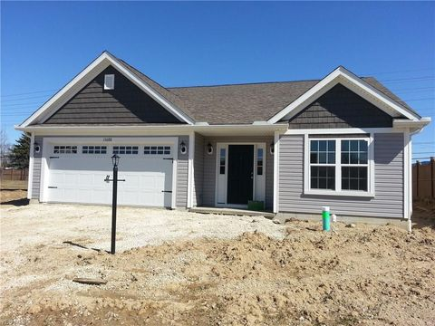 27286 S Emerald Oval, Olmsted Township, OH 44138