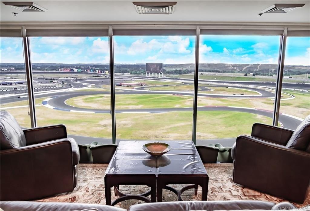 2 Bedrooms Overlooking Charlotte's Motor Speedway