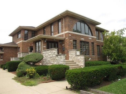 7238 N Kenneth Ave, Lincolnwood, IL 60712