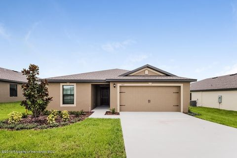 Photo of 1467 Swan Lake Cir, Dundee, FL 33838