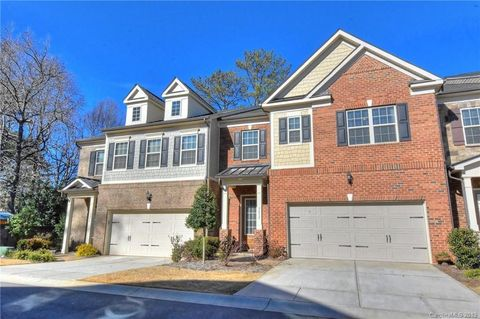 7032 Henry Quincy Way, Charlotte, NC 28277