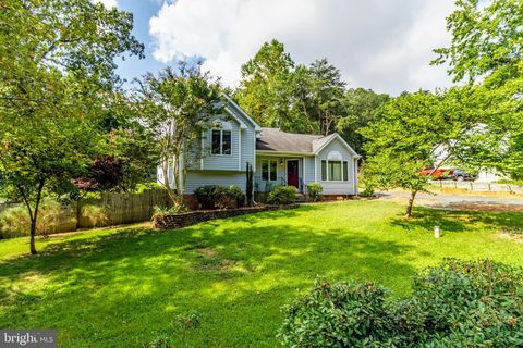 Photo of 2729 Cove Point Rd, Lusby, MD 20657