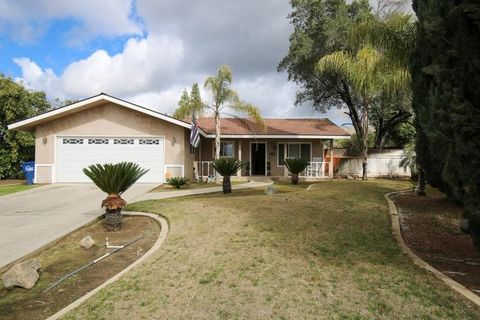 Photo of 1152 Beechwood Cir, Reedley, CA 93654