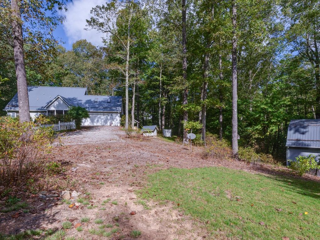 79 Old Maxwell Rd, Hendersonville, NC 28792
