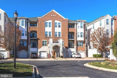 Photo of 5910 Great Star Dr Unit 207, Clarksville, MD 21029