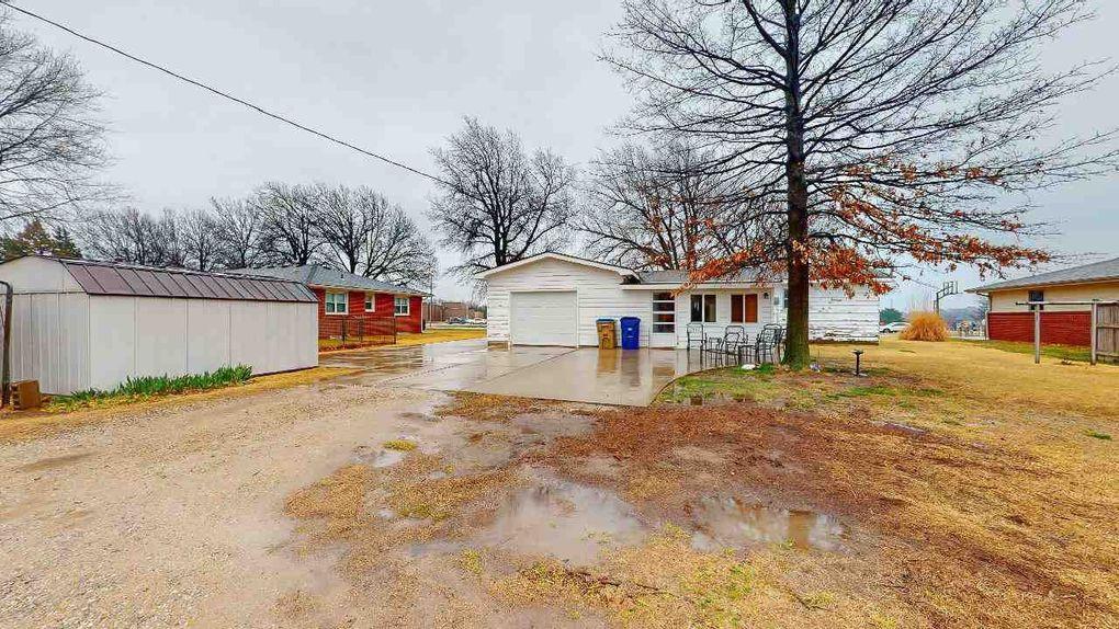 625 Section Line Rd Garden Plain, KS 67050