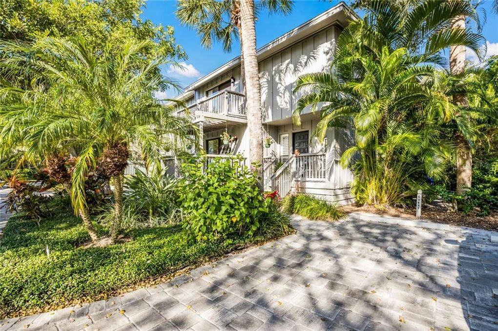 1367 Landings Dr Unit 1 Sarasota, FL 34231