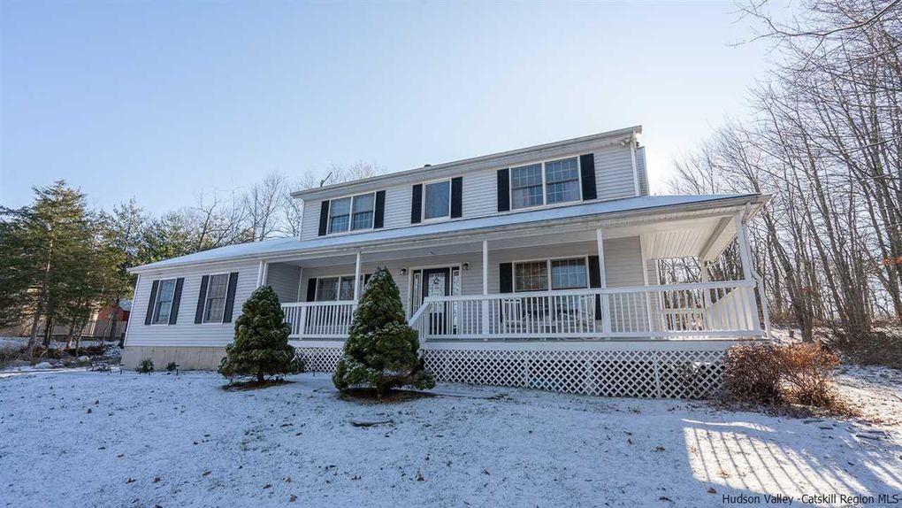 6 Snow St Bloomingburg, NY 12721