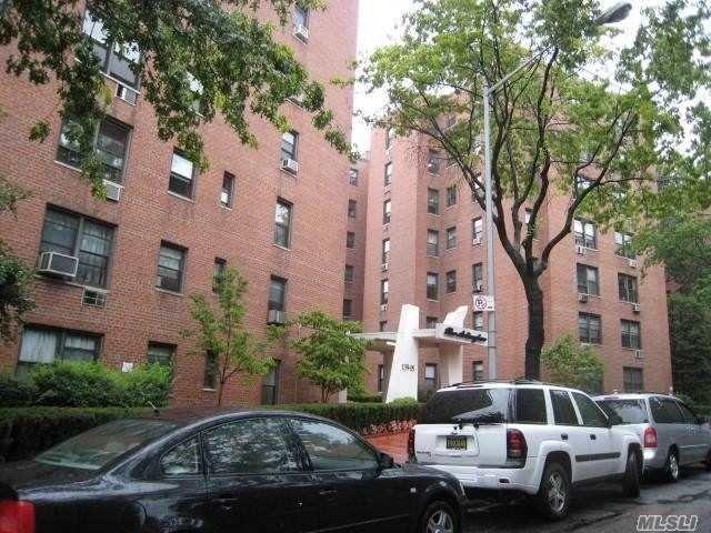 139-15 83rd Ave Unit 504 Briarwood, NY 11435