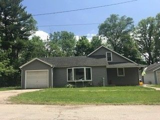 217 E Lincoln St, Mount Carroll, IL 61053