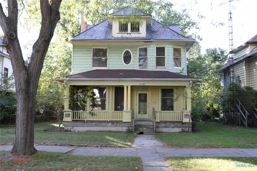 2449 Lawrence Ave, Toledo, OH 43620