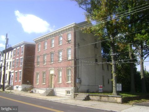 Photo of 123 New St Apt 1, Spring City, PA 19475