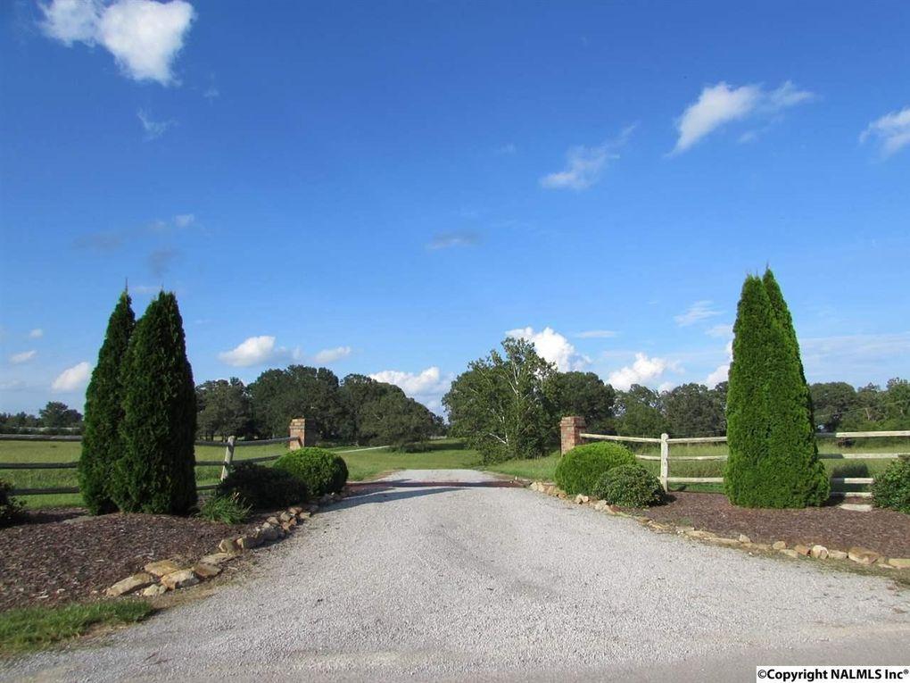734 County Road 1224, Vinemont, AL 35179