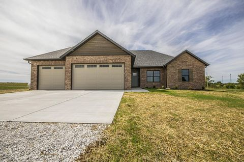 121 Southern Fields Dr, Clever, MO 65631