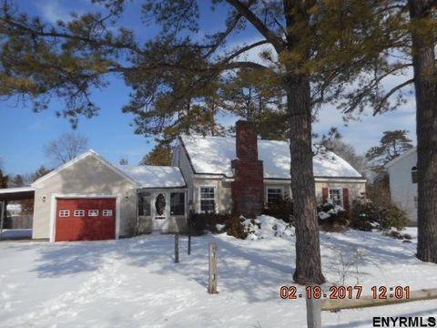 12 Spruce St, South Glens Falls, NY 12803