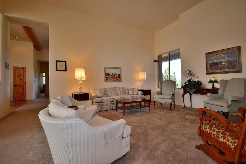 10 Bear Mountain, Santa Fe, NM 87508