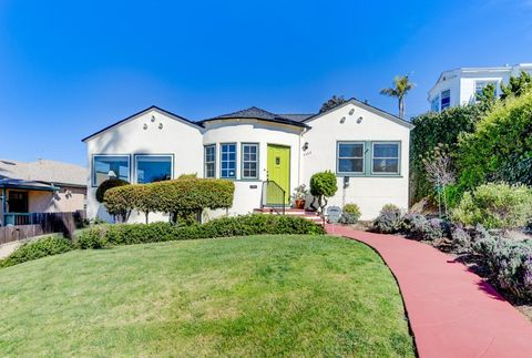 Photo of 4458 Orchard Ave, San Diego, CA 92107