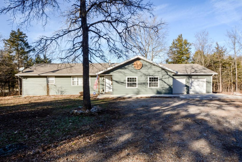 17 Green Acres Rd, Lampe, MO 65681