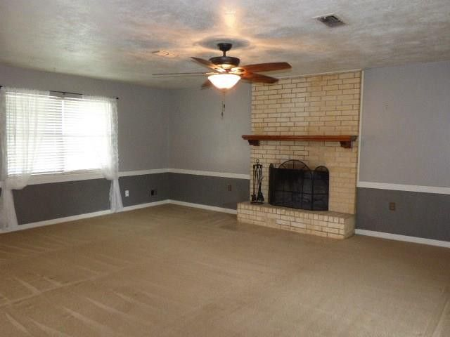 2001 Thompson Ct, Bridgeport, TX 76426