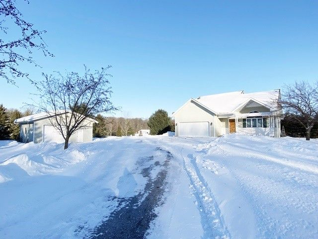 203947 Bauer Dr Marshfield, WI 54449
