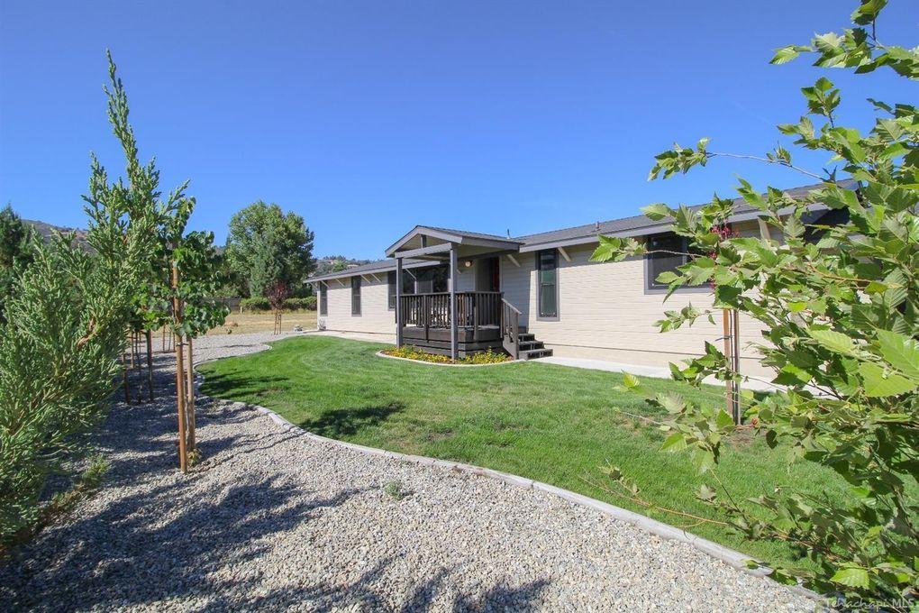 30060 Niblick Ln, Tehachapi, CA 93561