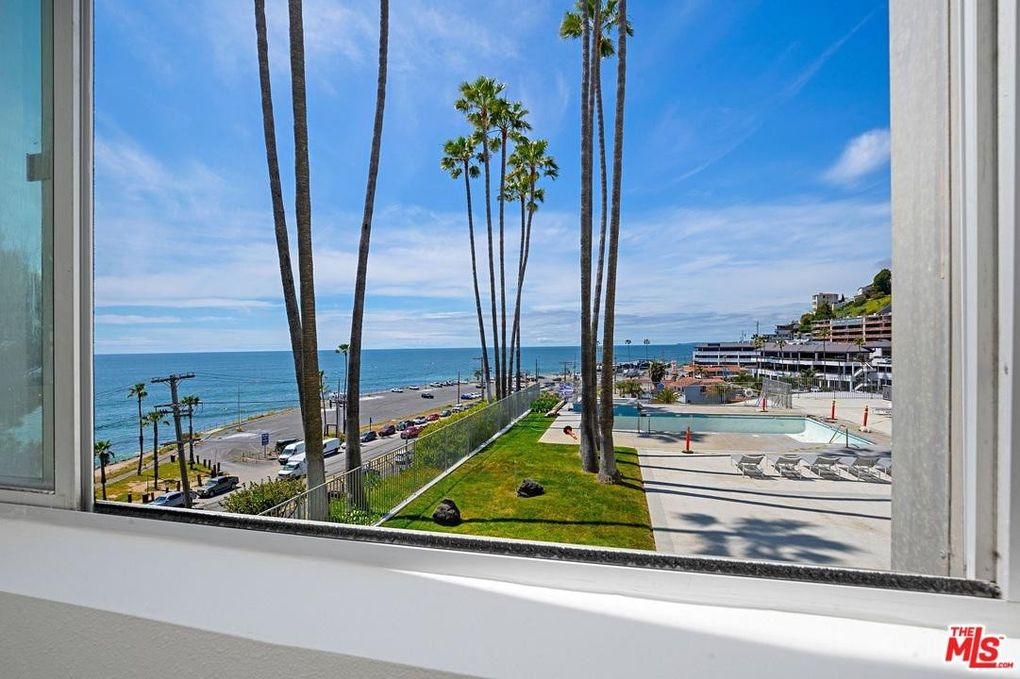 17366 W Sunset Blvd Apt 105 Pacific Palisades, CA 90272