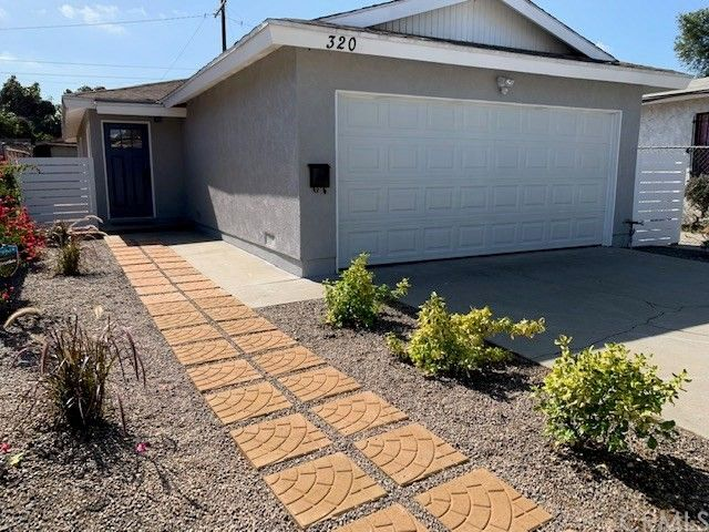 320 W Reeve St Compton, CA 90220
